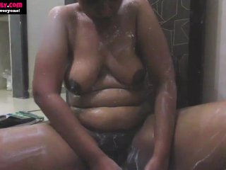 BigTits Indian Babe in arms..