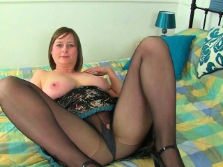 English milfs Janey and..