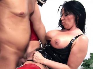 Milf with chunky titties..