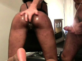 Hung withe perv warms booty..