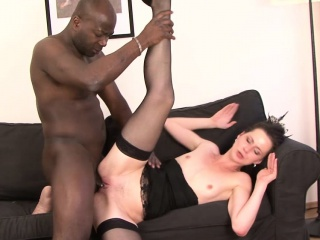 Milf gets pussy smashed by..