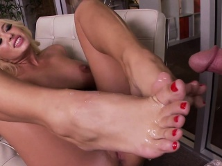 Busty blondes toes cummed