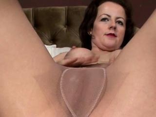 Pantyhose debilitating MILF..