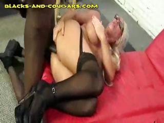 Big Titted Cougar Gets Black..