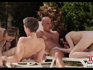 Hot pornstar foursome..