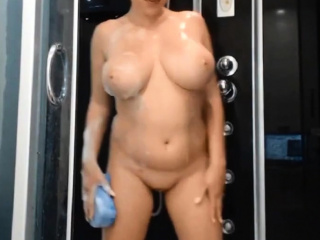 frying pawg alluring a shower
