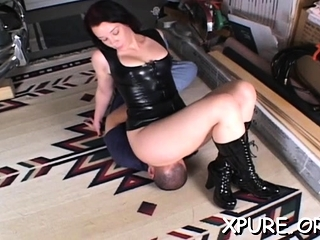 Muscular domina gets his..
