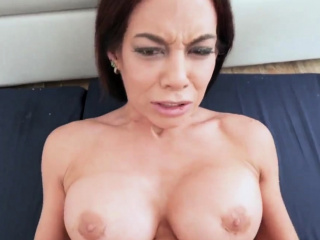 Uncomplicated milf Ryder..