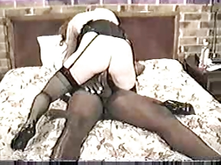 Vintage Wife Enjoys An..