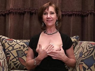 Mature maw with saggy tits..