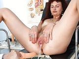 Redhead milf vagina checkup..