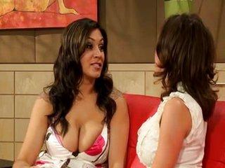Sexo lésbico con Raylene..