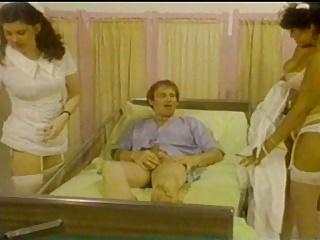 Nurses are Passenger (1979)