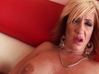 Hot MILF Brittany wants it..