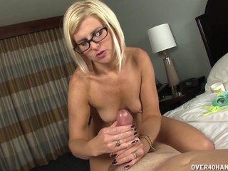 Nude Milf WIth Sexy Body..