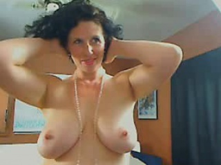 Me Busty housewife Shanon..