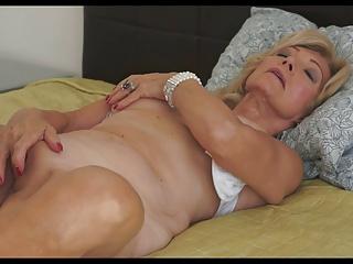 Earthy Granny 58yrs
