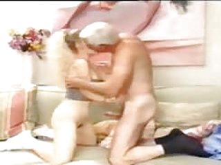 porno tube abuelo con una..