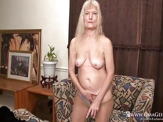 OmaGeiL Hairy Granny Pussy..