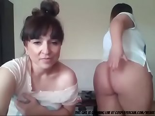 Mom And Daughter webcam play