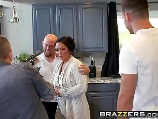 Brazzers - Mommy Got Boobs -..