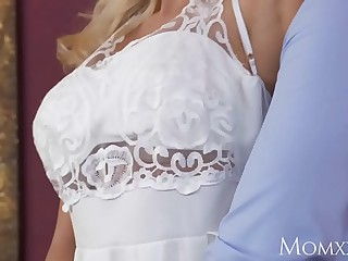 MOM Wet horny housewife..