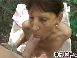 Outdoor fuck with a mature..