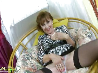 OldNannY Hot Mature Lady..