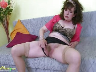 Great Mature Hairy Pussy Toy..