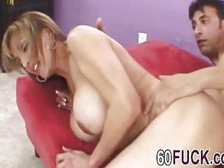 Amazing mature bitch enjoys..
