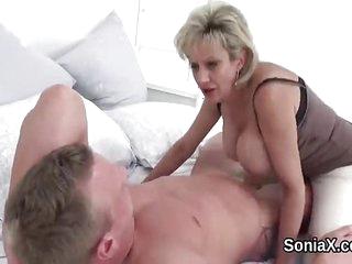 Unfaithful uk mature lady..