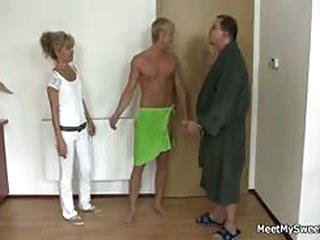 free porno tube Horny mom..