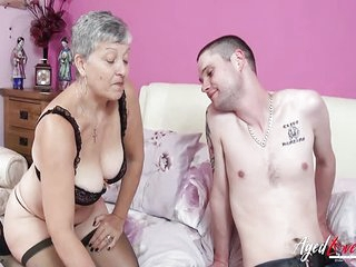 AgedLovE Hot Mature Babe..